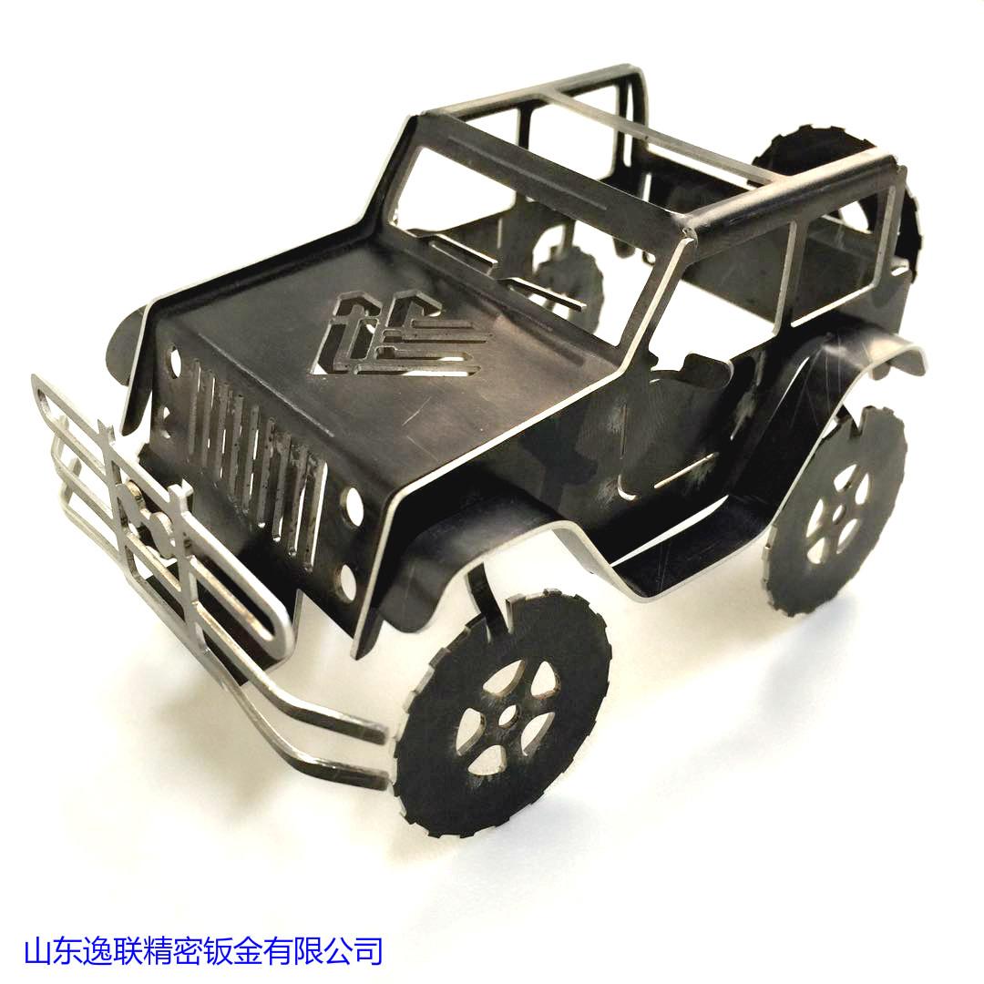 激光切割黑钛金jeep